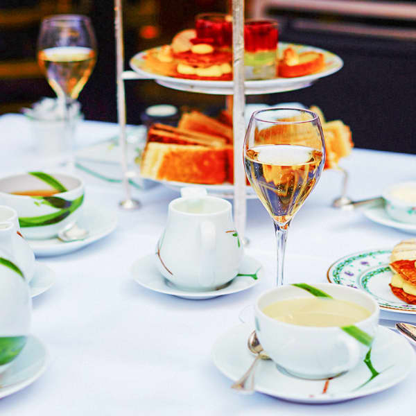 High Tea Party at the Hilton Sydney with Free-Flowing Bubbly