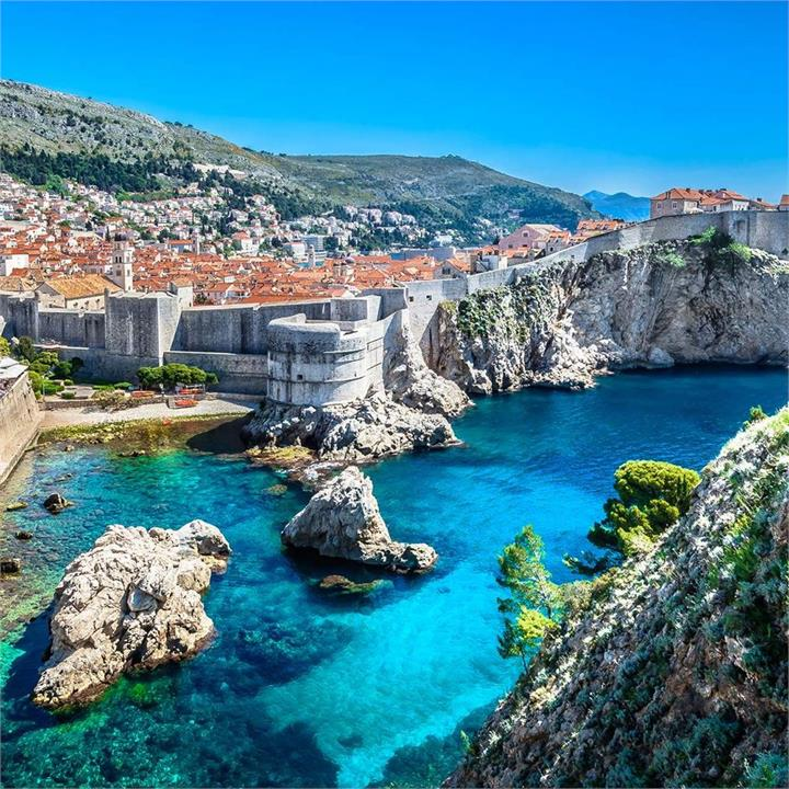 Croatian Beachfront Luxury with Fabulous Dining Inclusions