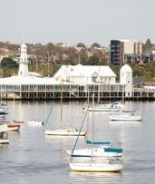 Geelong: Up to Three-Night Getaway for Two People with Breakfast and Late Check-Out at 4* Quality Hotel Bayside Geelong