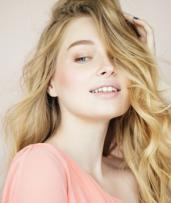 Microdermabrasion or Radio Frequency Facial + LED Therapy - 1 ($39) or 3 Sessions ($95) at 3D Clinic (Up to $810 Value)