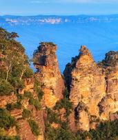 Katoomba Getaway Including a Bottle of Wine and Daily Hot Breakfast. Prices Start from $199 for a Two-Night Stay for Two People, or from $289 for Three Nights (Valued Up To $672)