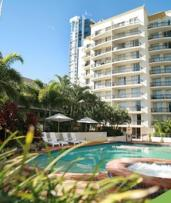 ✈ Surfers Paradise: From $385 Per Person for a 3-Night Queensland Getaway with Flights and Wine at Palazzo Colonnades