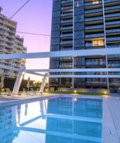 Gold Coast, Queensland: 2-, 3-, 4-, 5-, or 7-Night Getaway for 2 or 4 with Late Check-Out and Wine at AVANI Broadbeach