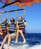 Bali: Romantic Day Tour with Sightseeing, Parasailing and Transfers with Bali Sun Tours