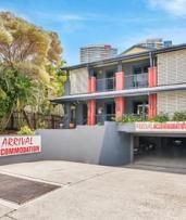 Gold Coast: 2 Nights with Breakfast for Two People or a Family of Four at Arrival Lodge Gold Coast - Queensland