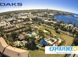 Sunshine Coast: Up to 5-Night Beach Getaway for Up To Four with Wine and Breakfast Special Offer at Oaks Oasis Resort