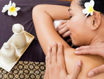 One-Hour Full-Body Aromatherapy Massage (From $49) + Refexology (From $59) at Siwalee Healthy Land (From $99 Value)