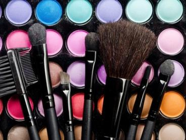 2-Hour Personal Makeup Workshop Class for 1 ($35) or 4 ($129) at Sheshwarz Hair Body and Beauty (Up to $600 Value)