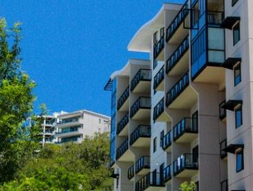 Perth, CBD: Three or Five-Night City Escape with a Bottle of Wine and Late Checkout at Perth Apartments on Mounts Bay