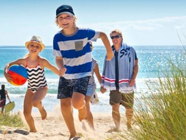 Cockburn: Up to 4-Night Stay with Late Check-Out at Discovery Parks - Coogee Beach