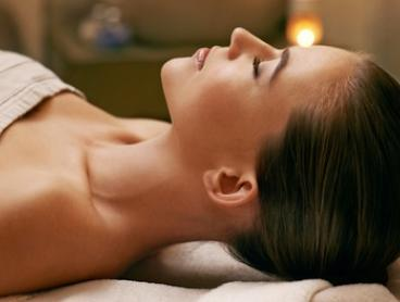 One-Hour Facial with Collagen Mask ($34) and Microdermabrasion ($49) at 4U Beauty, Fortitude Valley (Up to $140 Value)