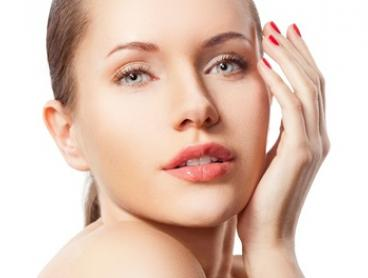 Facial Pamper Package - One ($49) or Two Sessions ($89) at Skinglow4u, Elsternwick (Up to $440 Value)