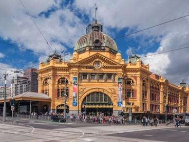 Melbourne, Carlton: One or Two-Night Central Stay with Bottle of Wine and Buffet Breakfast at Best Western Travel Inn