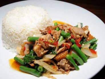 $6 Thai Curry or Stir Fry and Bottle of Water for Lunch or Dinner at JumboThai Haymarket (Up to $13 Value)
