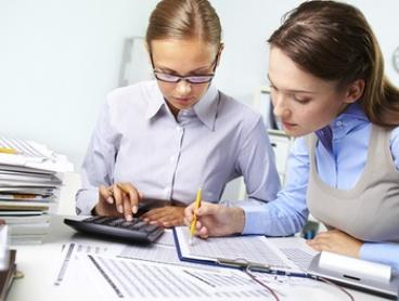 $35 for a FNS30115 Cert III Financial Services Course at The Australian Academy of Business, Nerang