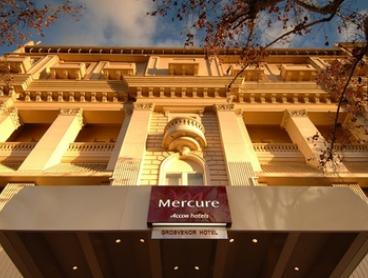Adelaide: CBD Getaway with Buffet Breakfast, Drinks on Arrival, and Late Check-Out at 4* Mercure Grosvenor Hotel