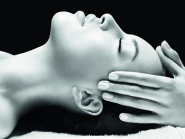 Clinical Peeling with Skin Light Therapy Treatment for One ($39) or Two ($75) at Hornsby Beauty Salon (Up to $276 Value)