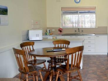 High Country, VIC: Only $260 for 3 Nights for TWO People in a 1 or 2-Bedroom Unit Including 1 Extra Night Free for Stays Commencing on Sunday or Monday + Undercover Parking and more at Pet Friendly Ovens View Holiday Units!