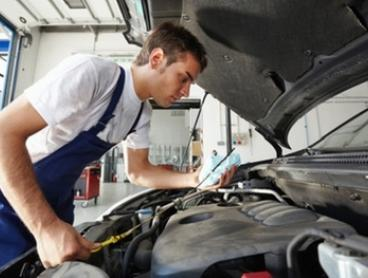 $44 for Full Car Service or Air-Con Re-Gas + Leak Detection or $86 for Both at R&D Auto Sales and Services (Up to $425)
