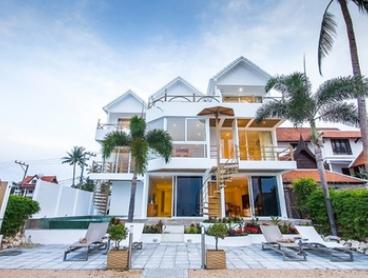 Ko Samui: 7 Nights for Two with Romantic Meal and Spa Treatment at B1 Beachfront Apartments