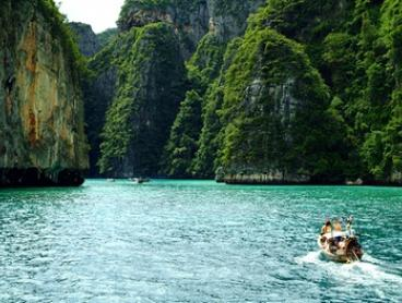Thailand, Phuket: Five, Seven or Ten Nights for Two with Breakfast and Food Discounts at Karon Sea Sands Resort and Spa