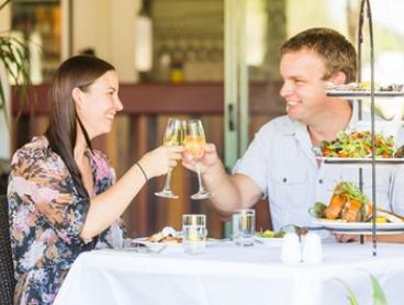 Ballina: 2 Nights for Two with Breakfast, Wine and Late Check-Out at 4* Quality Hotel Ballina Beach Resort