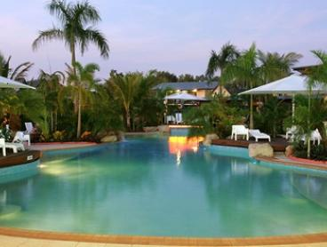 Darwin: Up to 3-Night Getaway for Up to Four People with Breakfast and Late Check-Out at 4* Mercure Darwin Airport Hotel