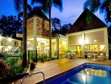 Coffs Harbour: Two or Three-Night Romantic Getaway with Wine and Dining Voucher at Sanctuary Resort Motor Inn