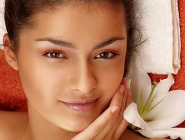 75-Minute Non-Surgical Facelift Package - One ($69) or Two Visits ($129) at Epic Beauty (Up to $500 Value)