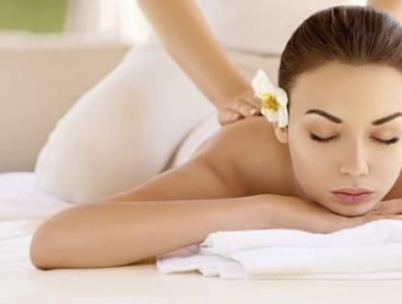 Thai Aroma Oil Massage - 60 ($39) or 90 Minutes ($59) at Lux Thai Massage (Up to $139 Value)
