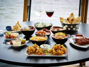 Indian Feast + Wine For 2 ($39), 4 ($78) or 6 People ($117) at Spice Lounge Port Melbourne (Up to $511.50 Value)