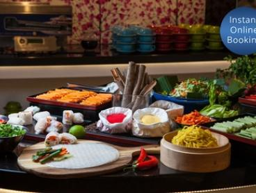 Asian Dinner Buffet & Wine for 2 ($44) or 4 People ($84) at Four Points By Sheraton Brisbane Dining (Up to $176 Value)