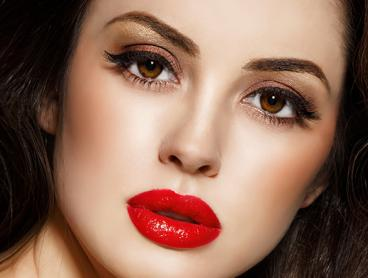 Lash Makeover Package - Choose from an Eyelash Lift and Tint for $35, or a Full Set of Silk Eyelash Extensions for Just $49 (Valued Up To $130)