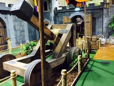 18 Holes of Mini Golf for Two ($15), Three ($21) or Four People ($26) at Mini Golf King (Up to $60 Value)