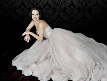 $19 for Glamour Makeover Photoshoot with a Print from Anne Higgs Photography (Up to $430 Value)