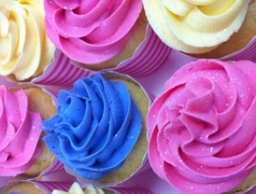 12 Cupcakes with Buttercream & Decorations: Classic ($15) or Gourmet Flavours ($19) at Cake Studio Adelaide (Up to $40)