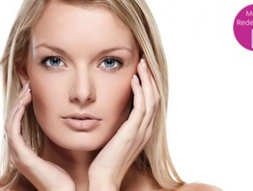 Deep Cleanse Facial with Consult - One ($59), Three ($129) or Five Sessions ($199) at Smooth Curves (Up to $465 Value)
