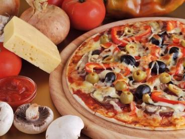 Pizza with Beer or Wine for Two ($29) or Four People ($58) at Il Tratto Raro Pizzeria (Up to $135.60 Value)