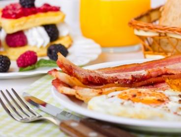 Breakfast or Lunch with Coffee for 1 ($11), 2 ($22) or 4 People ($44) at Waterloo Cafe & Pizzeria (Up to $84 Value)