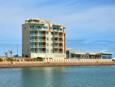 Yorke Peninsula: 2- or 3-Night Getaway with Chocolates and Bottle of Wine for Two People at Wallaroo Marina Apartments