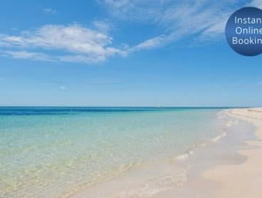 Margaret River Region, Dunsborough: 3 or 4 Nights for 4 People with Wine and Late Check-Out at Bayshore Beachside Resort