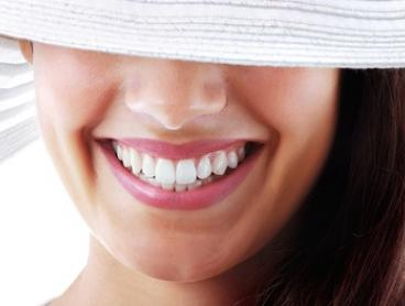 $295 for a Zoom Teeth Whitening Package at Crown Dental Surgery