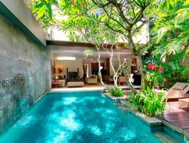 Seminyak, Bali: 2-5 Nights for Two with Butler Service, Massage, Transfer and Option for Breakfast at 4* Kanishka Villas