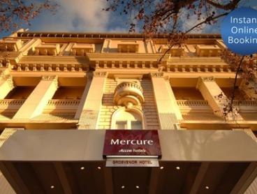 Adelaide, CBD: Getaway with Buffet Breakfast, Drink Vouchers and Late Check-Out at Mercure Grosvenor Hotel