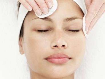 45-Minute Pamper Package: One ($79), Two ($129) or Three Sessions ($199) at Vanish Laser Clinic (Up to $557 Value)
