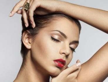 Wrinkle Relaxer: 20 ($79), 25 ($99), 50 ($195), 75 ($289) or 150 Units ($575) at Cosmetique, Five Locations