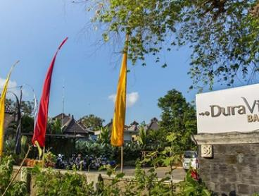 Bali, Canggu: 2-, 3-, 4-, 5-, or 7-Night Tropical Getaway for Two with Breakfast and Welcome Drinks at Dura Villas Bali