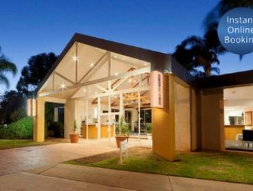Mildura: 2 to 3 Nights for Two with Breakfast, Wine and Late Check-Out at Mildura Inlander Resort