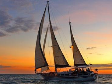 Twilight Sail with Sparkling Wine - Midweek ($69) or Weekend ($99) with Starsand Yacht Charters (Up to $210 Value)