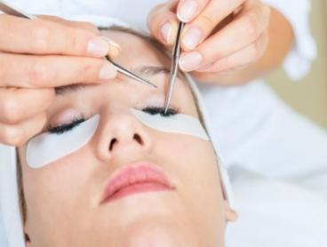 Full Set of Classic ($49) or 3D ($79) Eyelash Extensions with Refill ($109) at Kelly's Nails & Beauty (Up to $259 Value)